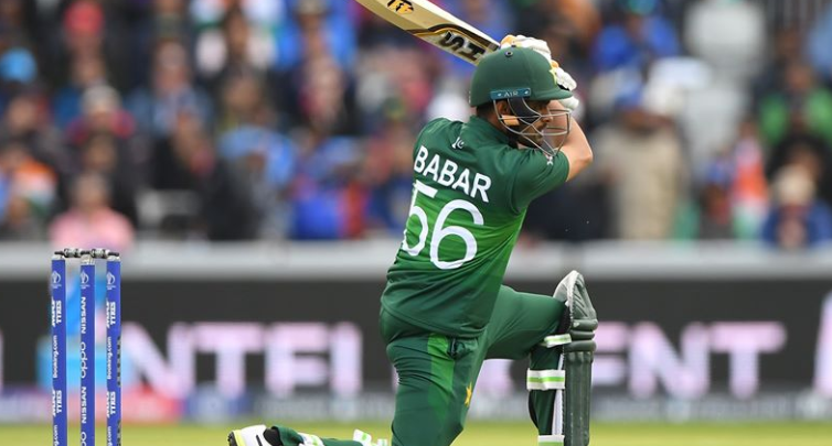 Babar Azam gives pep talk to women's team