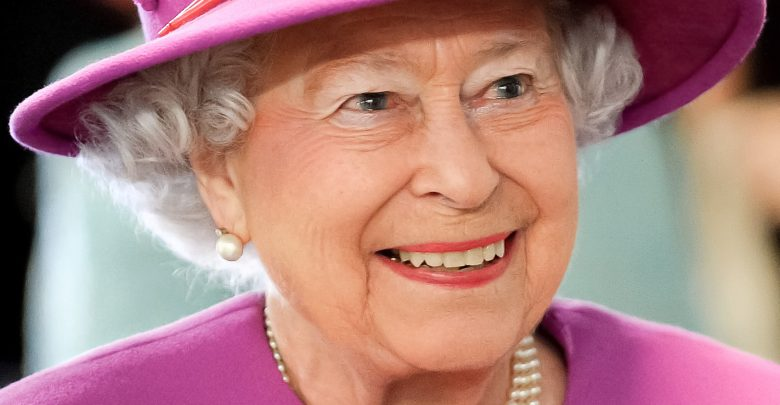 Commonwealth Points of Light Award: United Kingdom Queen Congratulates Pakistani Volunteers