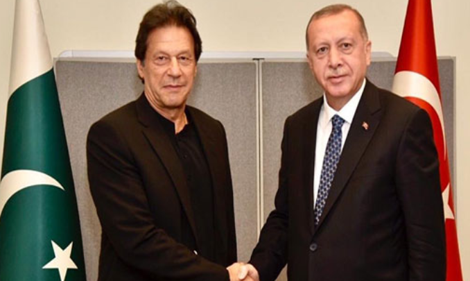 Imran Khan says Pakistan stands by Turkey against FETO threat